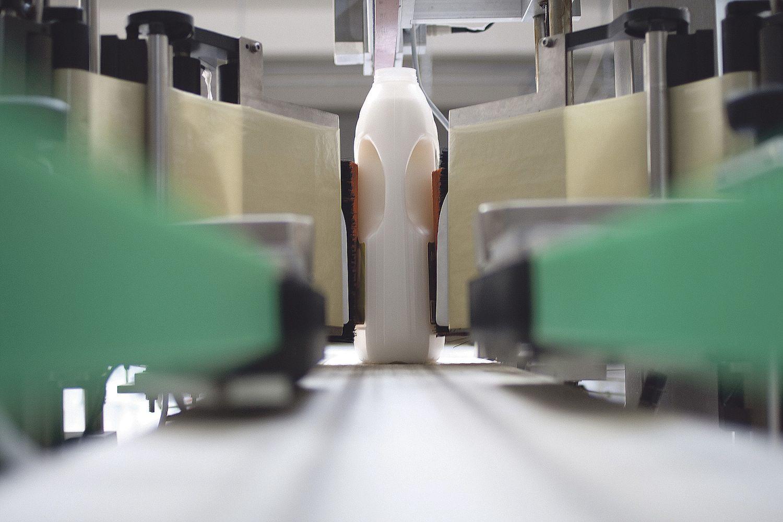 Eine Verpackungsmaschine bei der Arbeit